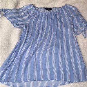 Pin stripped off the shoulder shirt
